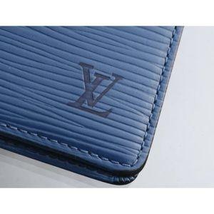 ✅ Authentic Louis Vuitton Epi card
